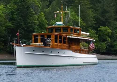 55' Hacker-Craft John Hacker Design (Defoe Boat & Motor Works)